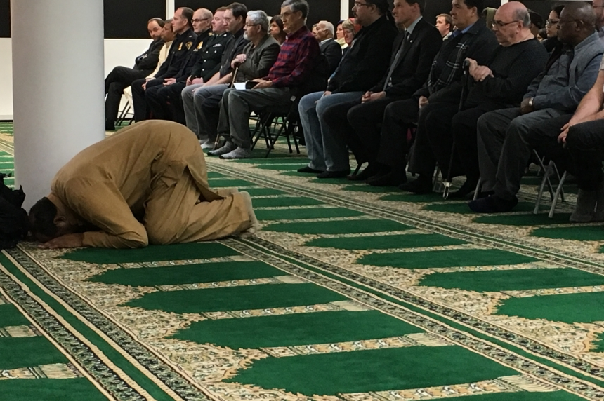Multi-faith prayer service held in Saskatoon for mosque shooting victims