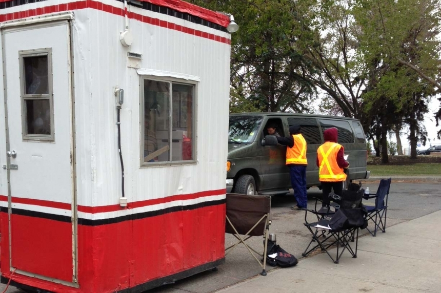Regina offers drive-thru polling again