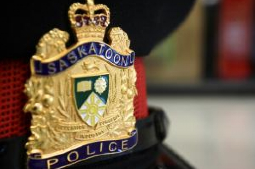 5 arrested after swords, knives found in stolen vehicle