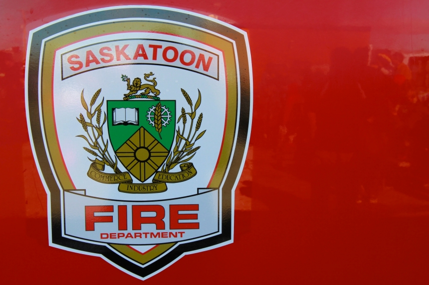 2 rescued from balcony in Sutherland apartment blaze