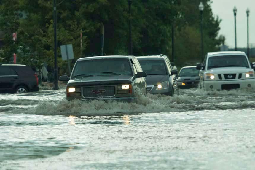 Heavy rain causes flooding in Warman