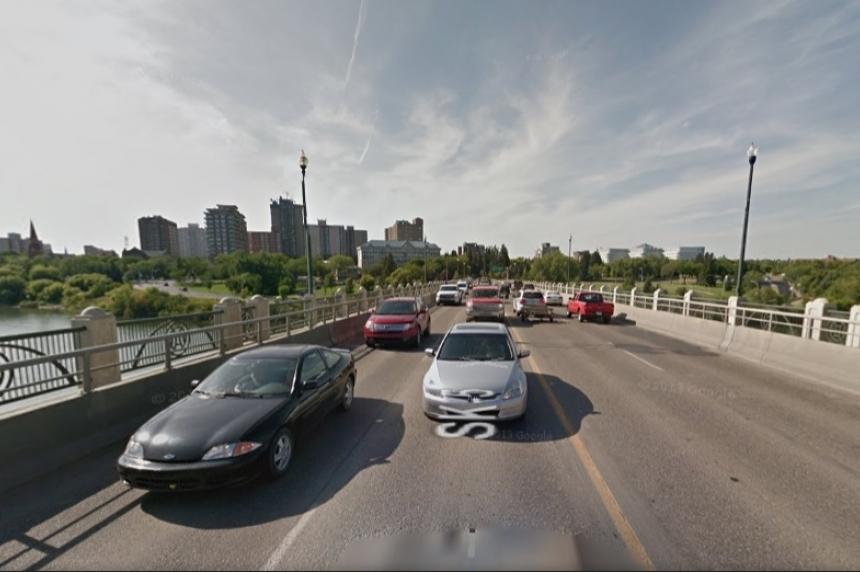 Video shoot closes University Bridge Sunday night