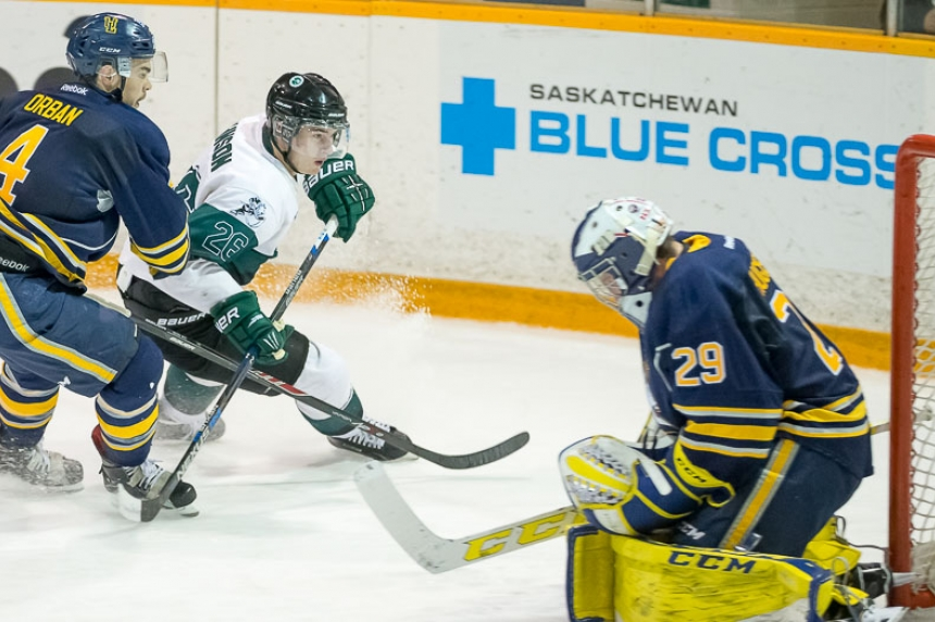 Huskies women sweep, men shocked in Lethbridge series