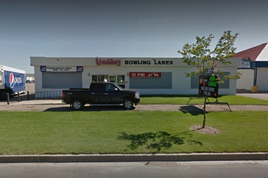 Saskatoon man dies in 'senseless' pool cue attack at Man. bowling alley