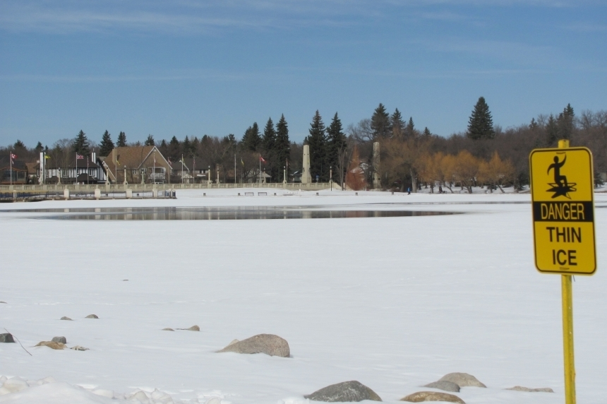 Regina Fire warns about possible thin ice on bodies of water