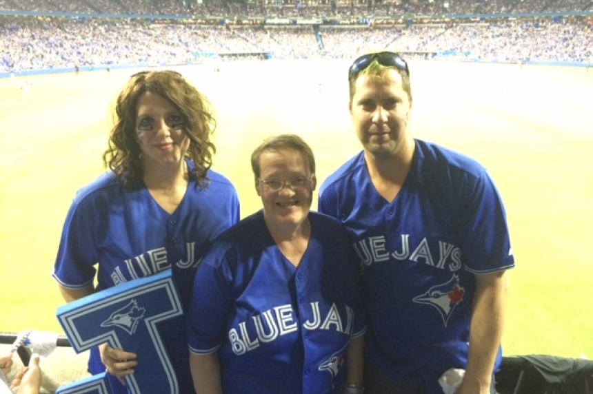 Family of Jays fans travel from Weyburn to see game in Toronto