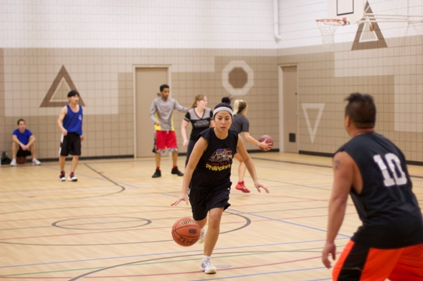 Basketball teams call foul on Saskatoon Rec League's no kids policy