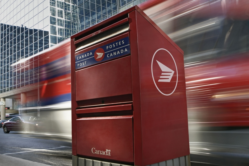 Saskatoon postal workers prepare for the picket line