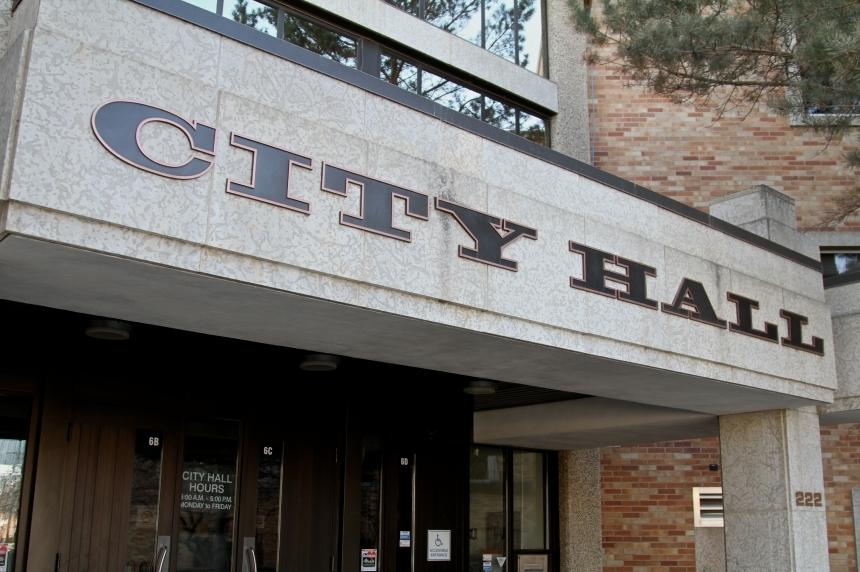 Former Saskatoon mayor questions council's communication budgets