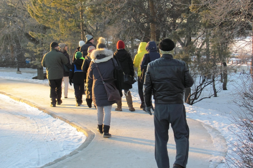 Kids and parents look for birds at Regina's Wascana Centre