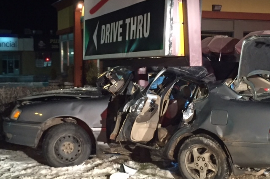 3 sent to hospital after stolen car crashes into sign post: Saskatoon police
