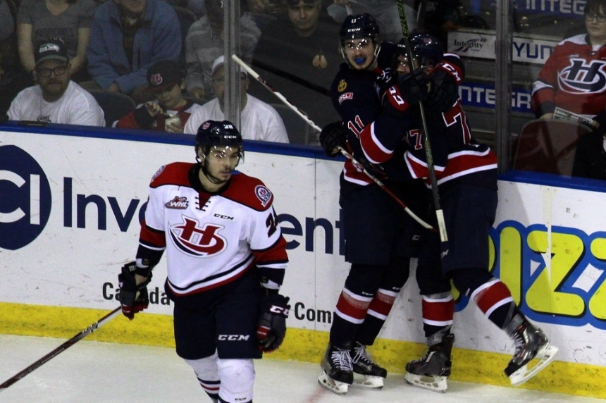 Pats bounce back with 6-2 win to tie series at 2