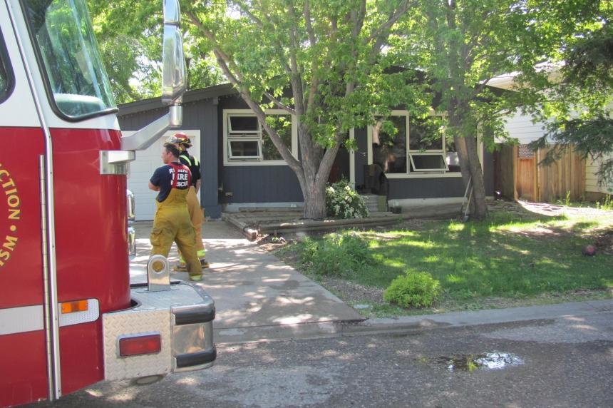 3 fires Sunday morning keep Regina crews busy