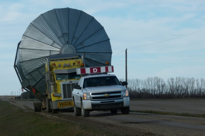 Power outage in southeast Sask. due to truck hauling grain bin