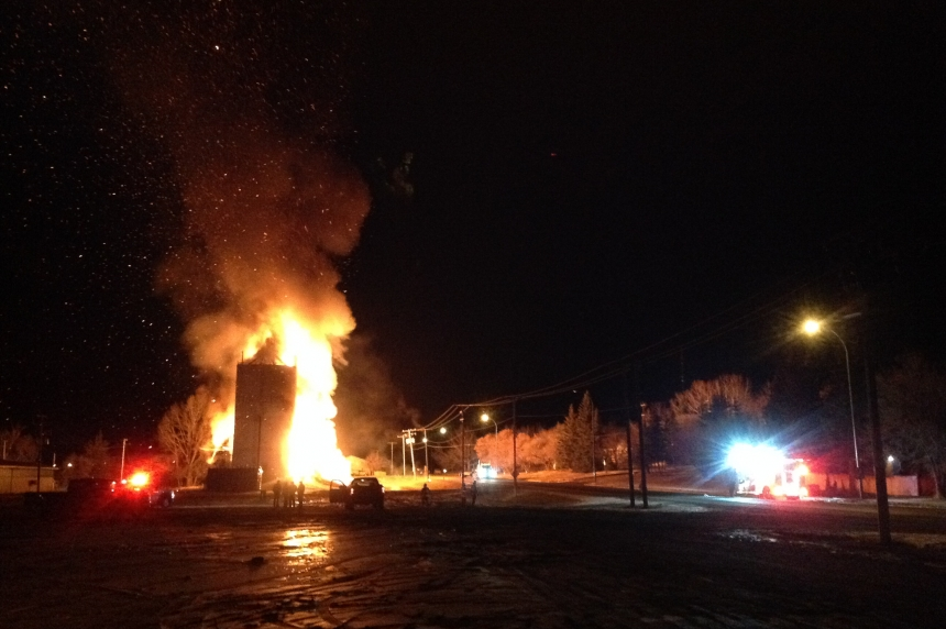 Flames light up Turtleford as grain elevator burns