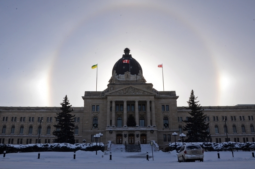 Fit to cut? Taxpayers' federation says province should look at manager benefits