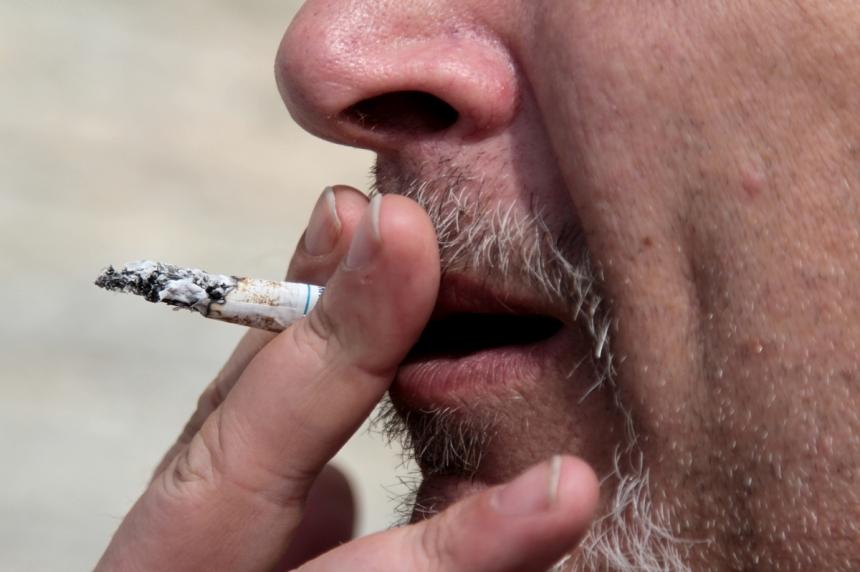 Regina smoking bylaw consultation sparks debate