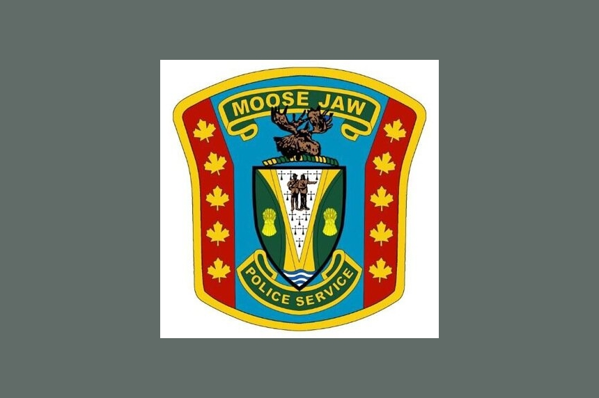 Teen trapped in car after crash in Moose Jaw