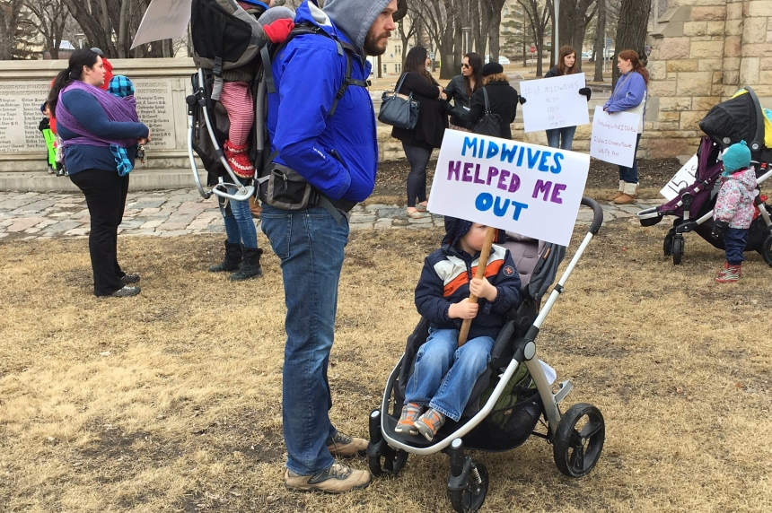 Midwife advocates want more midwives in the province