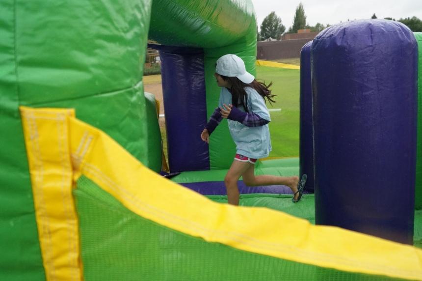 Jumpstart program entertains remaining evacuees in Saskatoon