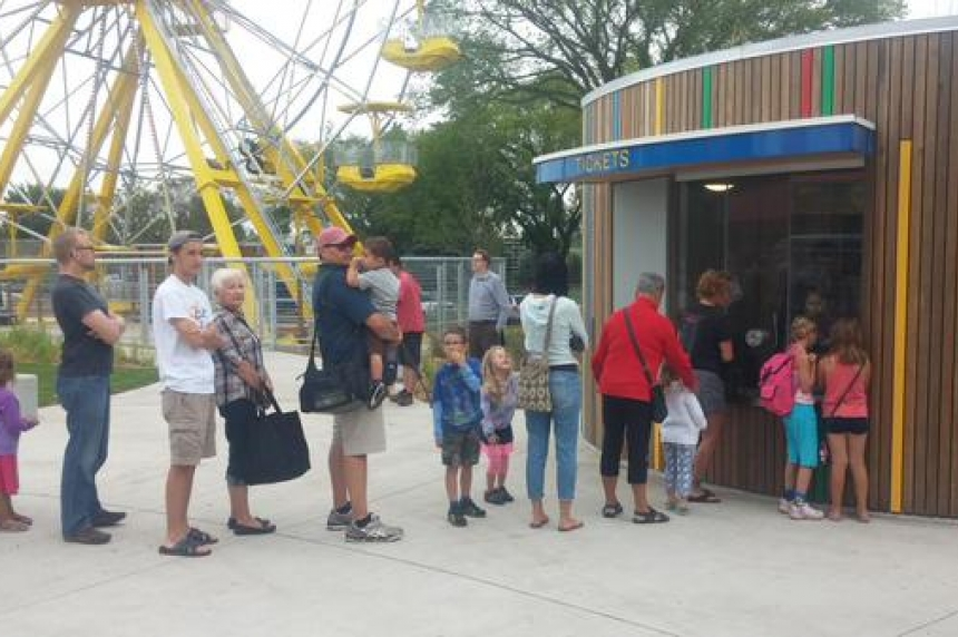 PHOTOS/VIDEO: Playland opens at Saskatoon's Kinsmen Park