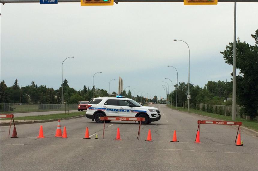 Serious crash kills 1 person in Regina