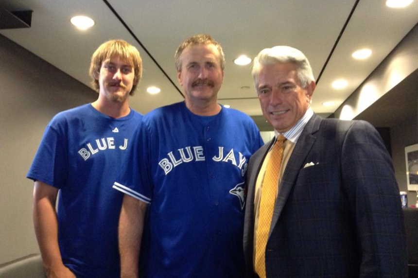 Blue Jays excitement sweeps up Assiniboia family in cancer fight
