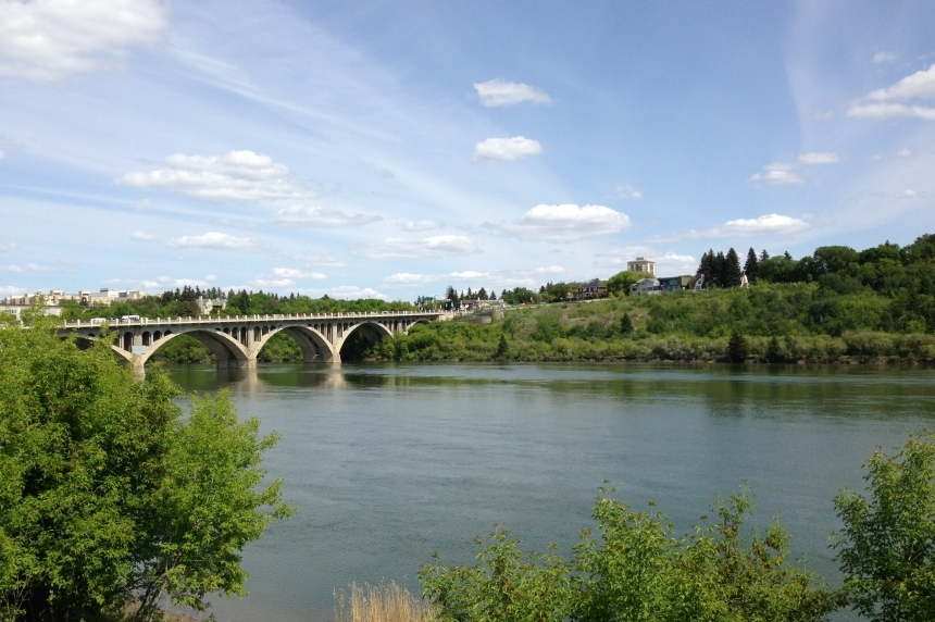 Last day of summer has Saskatoon residents split on change of seasons
