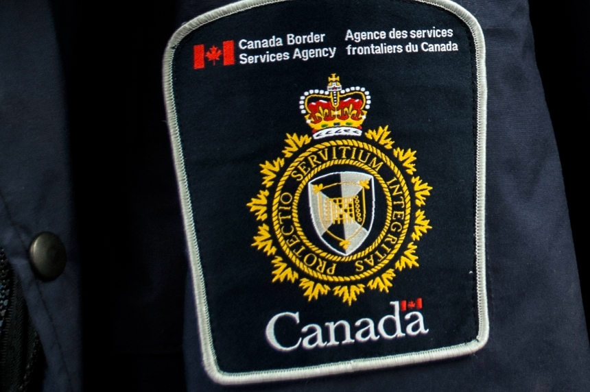 Switchblades, discarded gun highlight CBSA's findings in March