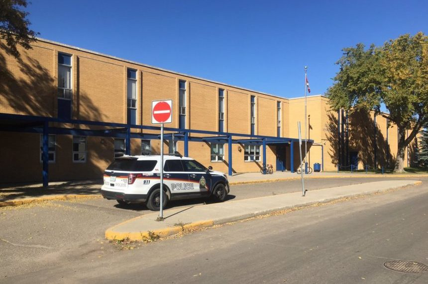 Boy, 14, charged with bringing gun to Saskatoon school
