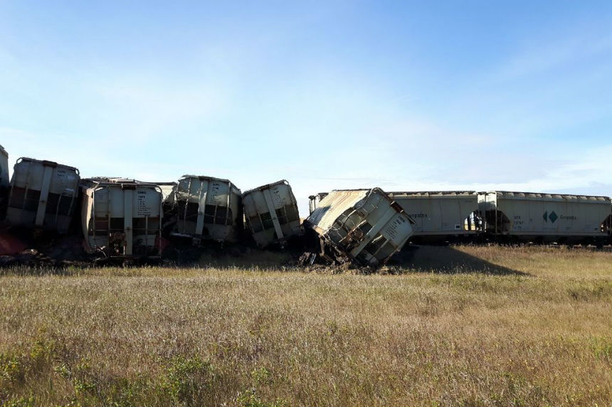 A  train derailed on a Canadian Pacific Railway line near Blucher, southeast of Saskatoon, on Sept. 15, 2017. (Scott Willey/Submitted)