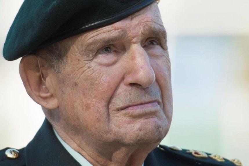 'We were sitting ducks:'100-year-old war veteran shares memories of Dieppe