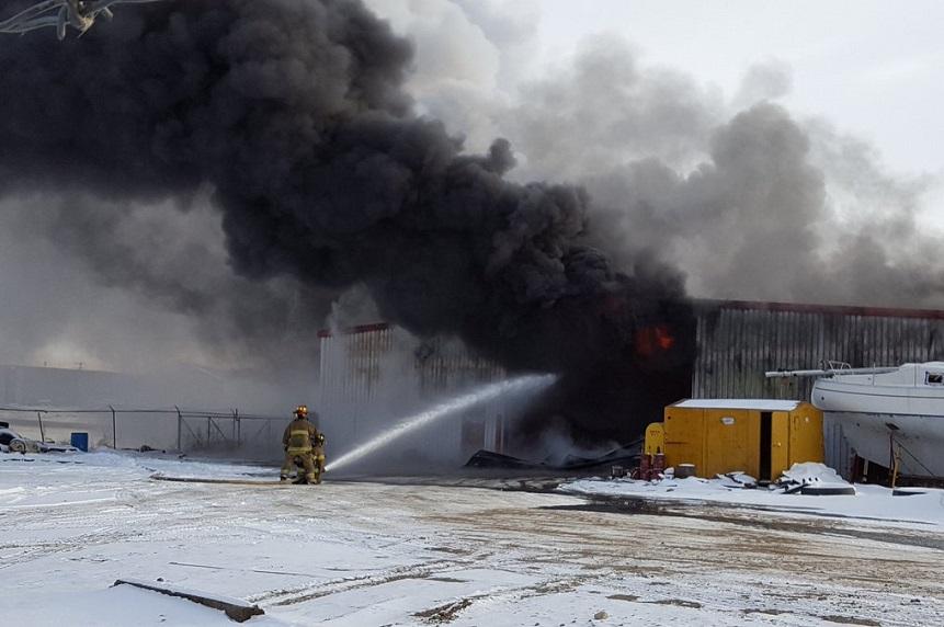Explosions erupt in Kindersley warehouse blaze