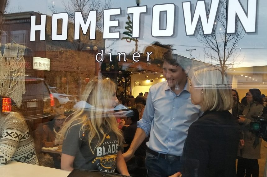 In town for meetings, Trudeau visits Saskatoon diner