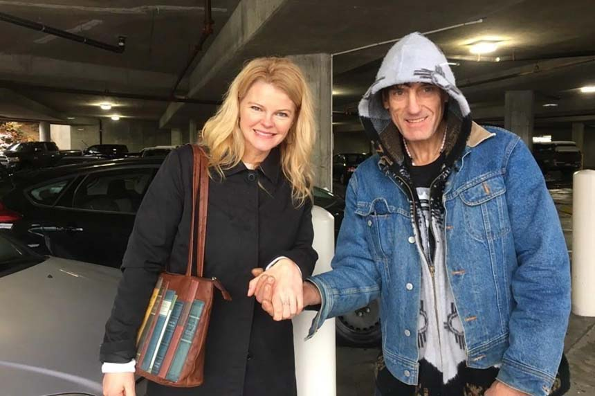 Homeless man returns mistakenly donated diamond ring returned to B.C. woman