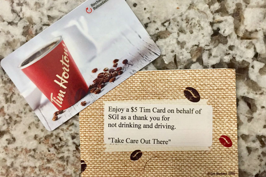 Police hand out gift cards to thank sober drivers