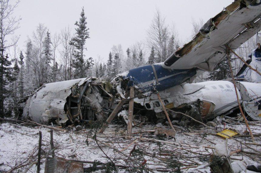 Engines were working when plane went down: TSB