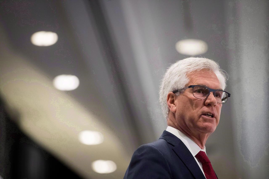 Canada will do what it must to prevent B.C. from stopping pipeline, says Carr