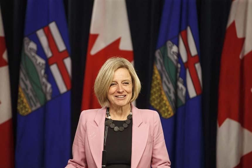 Alberta politicians vote unanimously to back province in oil pipeline fight