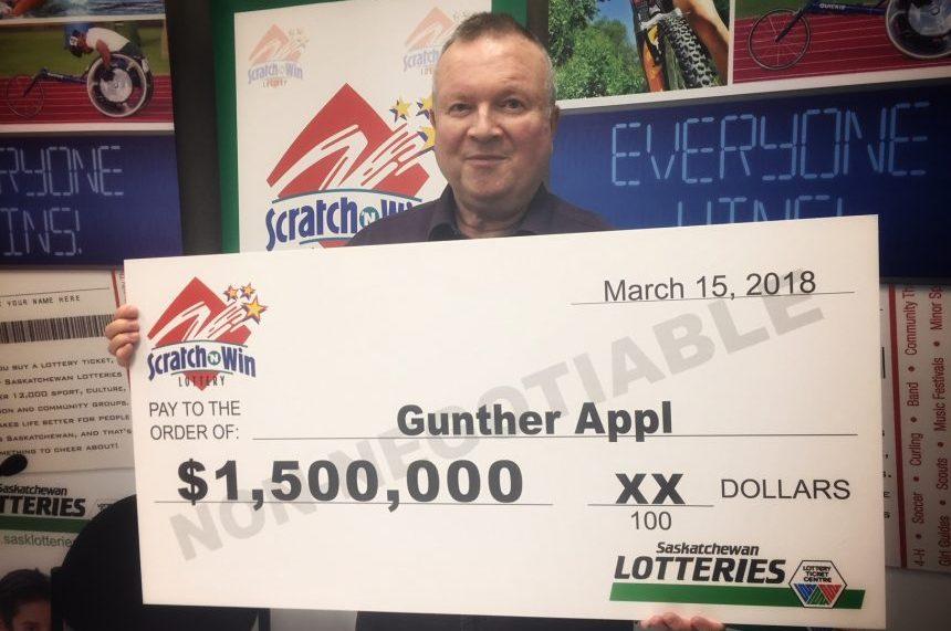 Pyjama party: Saskatoon man wins $1.5M on scratch ticket