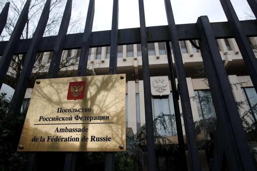 Canada joins U.S., Europe in expelling Russian spies for British poison attack