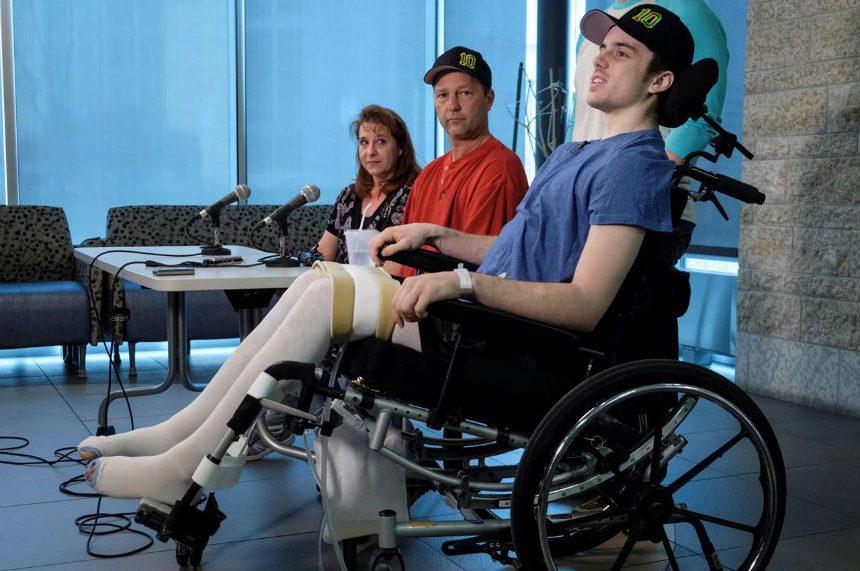 Humboldt Broncos player paralyzed in deadly crash says survivors bonding