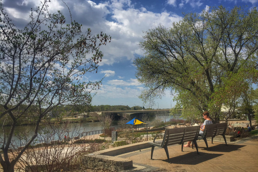 Summer in spring: Sask. cities soak up hottest day, so far