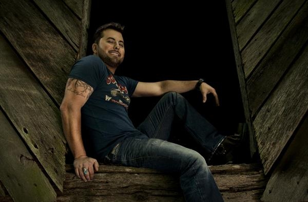 Tyler Farr is set to become a reality television star