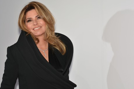 We Know When Shania's New Single is Coming Out!