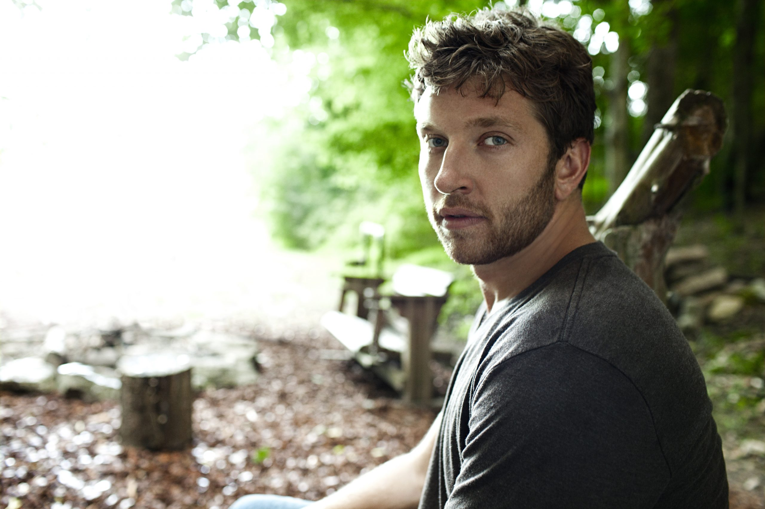 [WATCH] Brett Eldredge Performs on Ellen