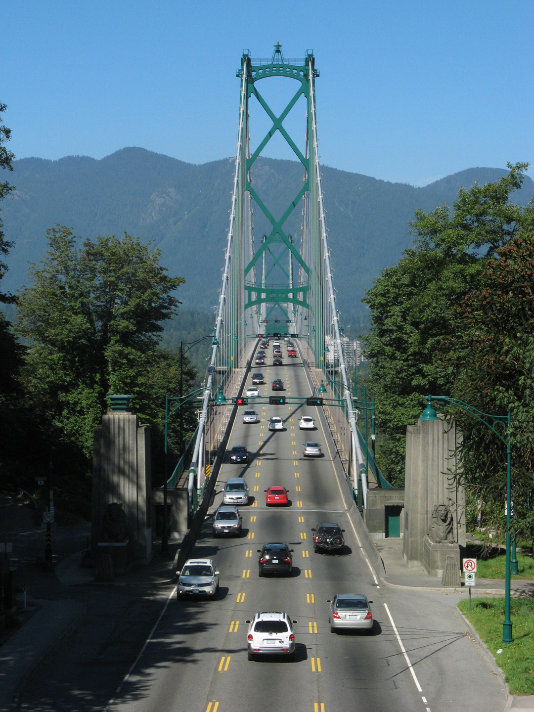 Today's traffic snarl on the Lions Gate, bc 2 dudes climbed the bridge for a photo-op
