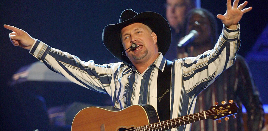 Garth Brooks Releasing Live Album From World Tour