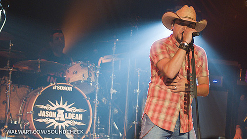 Jason Aldean Covers Tom Petty On SNL
