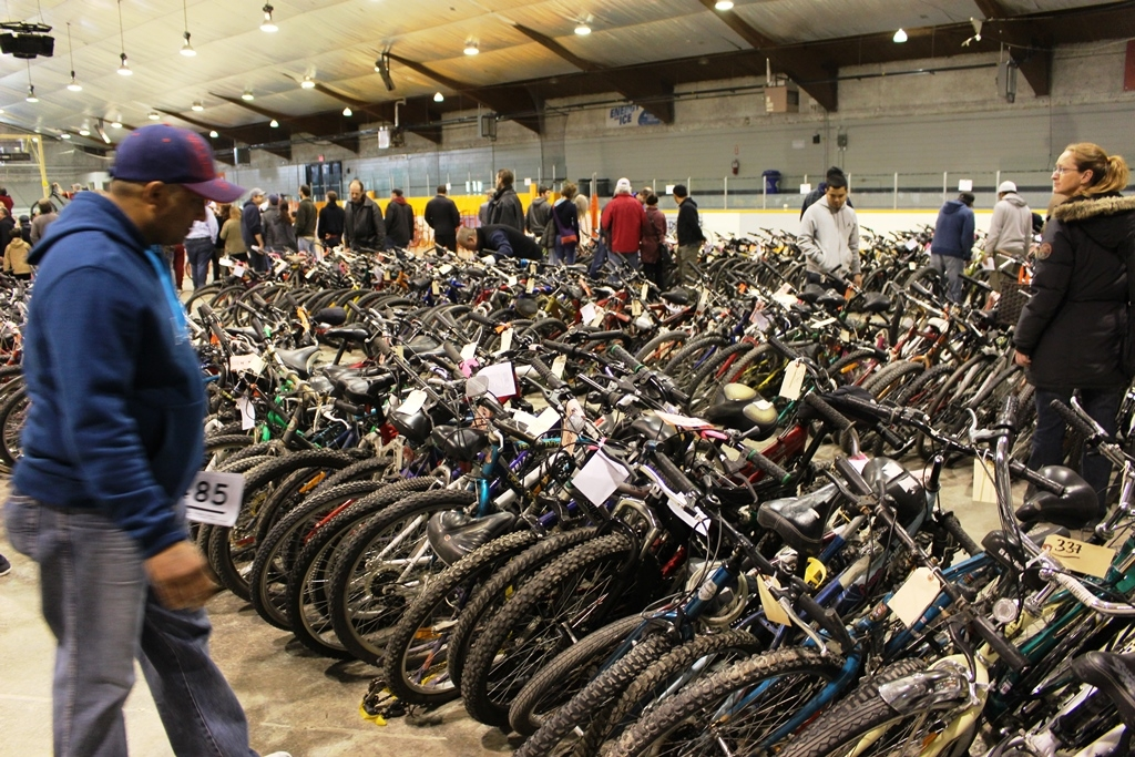 The  Auction Hammer goes down on a Sea of CYCLES this week-end in Transcona!